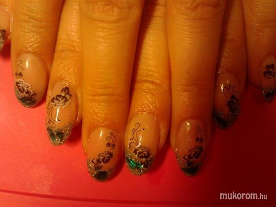 Heni nails - Erikának - 2011-05-07 09:45